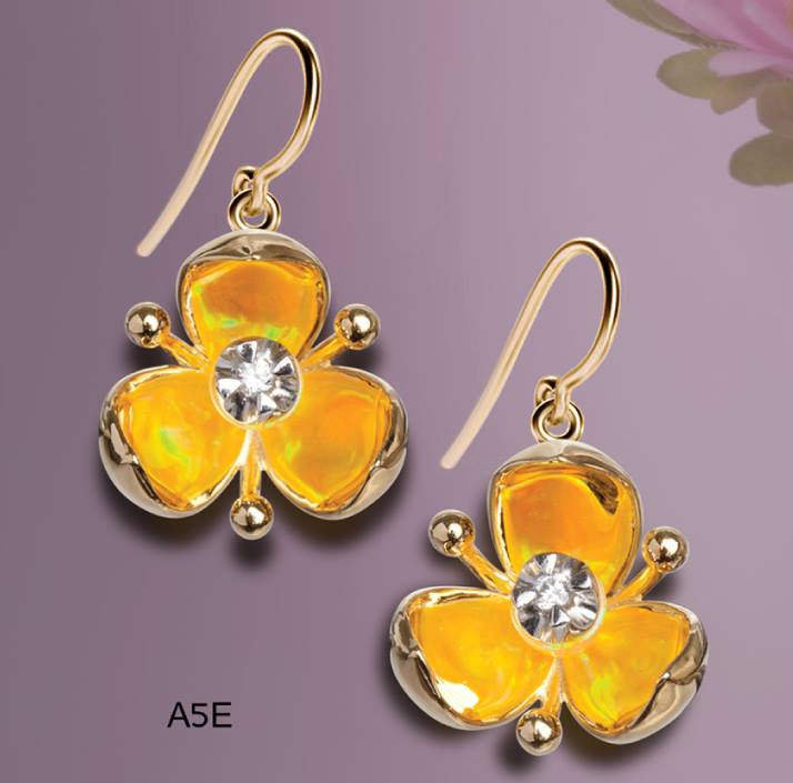 3 point flower with yello wopal earrings